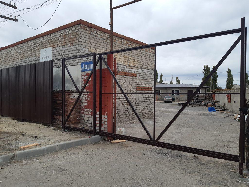 Консольные откатные ворота в Волгограде