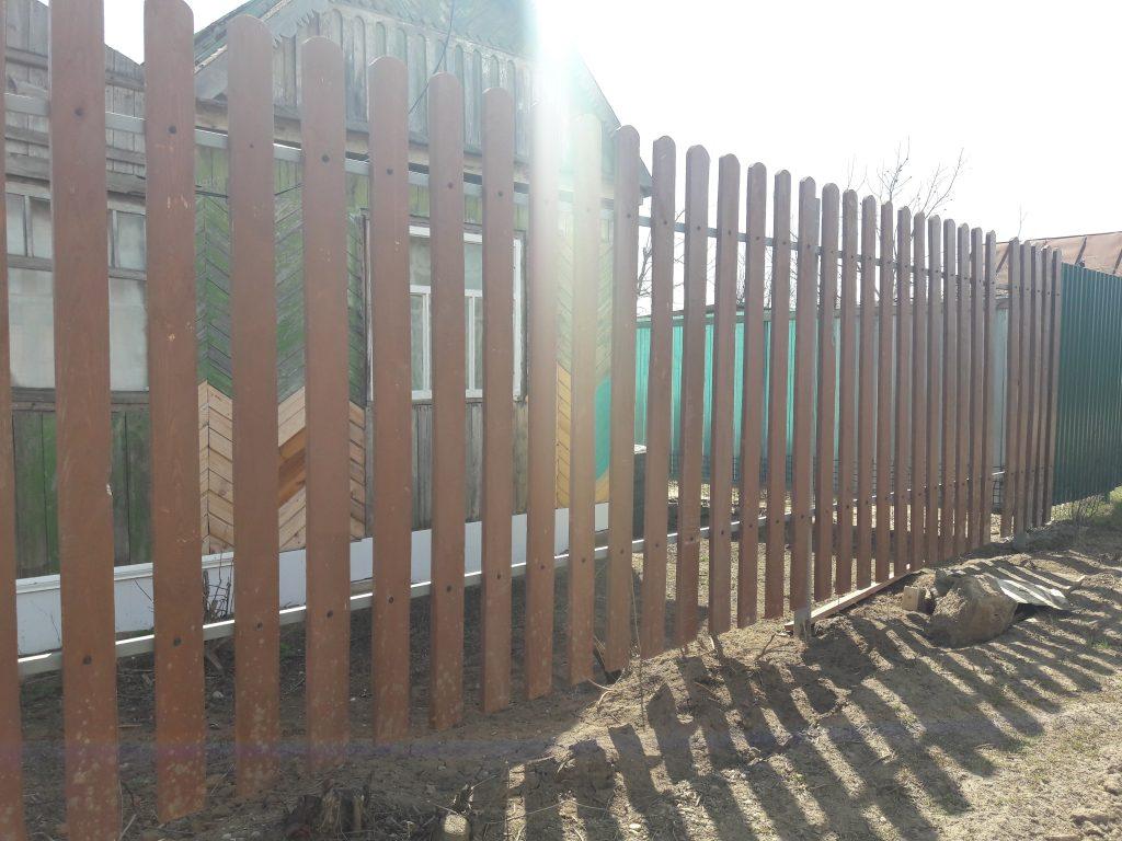 Установка и монтаж деревянного забора под ключ в Волгограде и Волжском