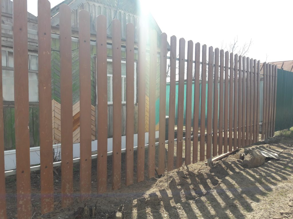 Стоимость установки деревянного забора в городе Волгоград и Волжский